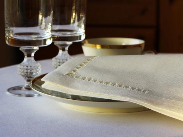 12 Leinen-Servietten, altweiß, mit Königshohlsaum, 45x45